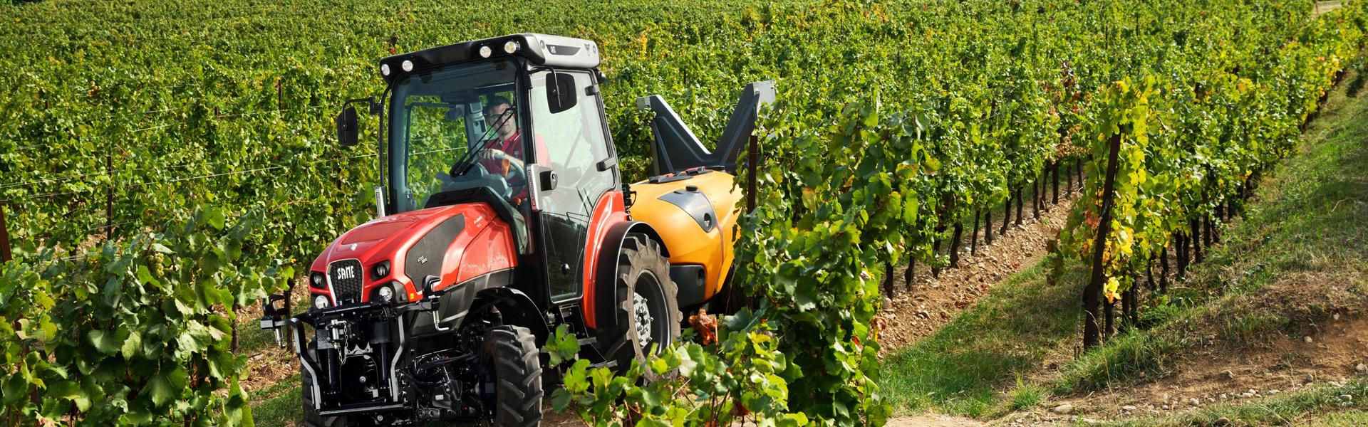 header-macchina-agricola-frutteto